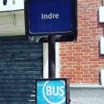 Station de bus à Paris J attends pour rentrer à la campagne